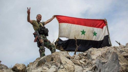 Арабские СМИ: Сирийская армия, поддерживаемая ВВС России перешла в наступление
