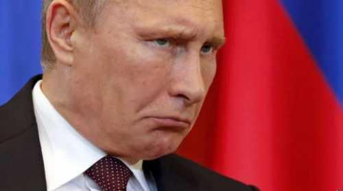 Тише воды, ниже травы. Кремль в глухой изоляции