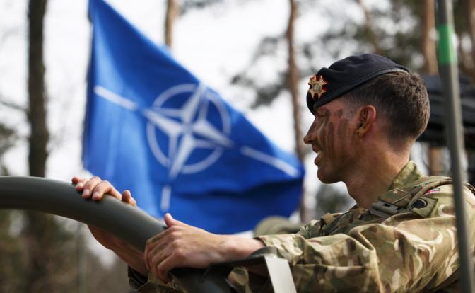 НАТО у наших границ: Зачем Европа нарывается на русский кулак